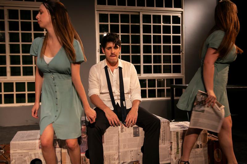 Allan Bravos - Celia Helena - O Beijo no Asfalto-2082.jpg