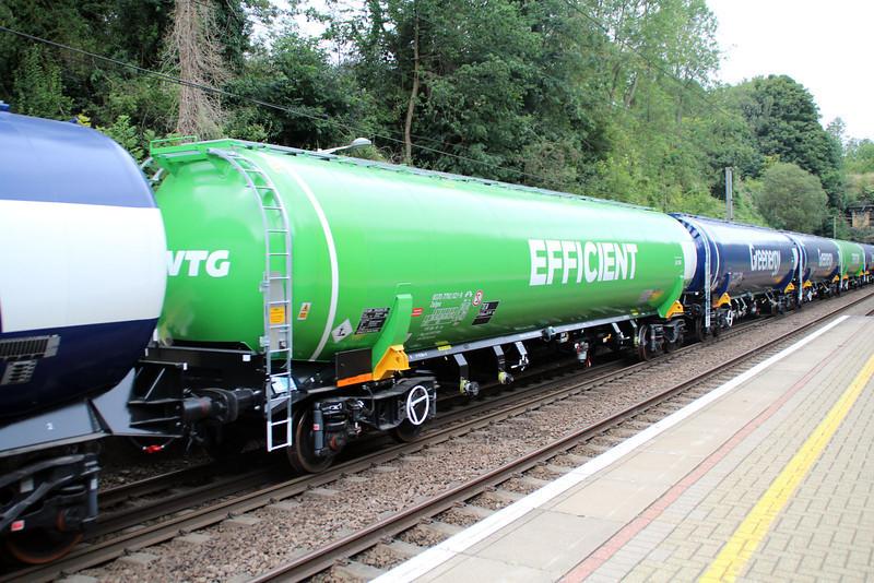 New GBRF TEA 83.70.7792021-8 on 6E92 Acton Lane-Immingham passes Welwyn North 23/08/12.