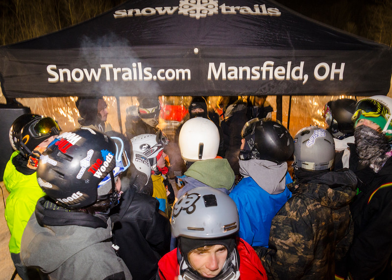 Nighttime-Rail-Jam_Snow-Trails-233.jpg