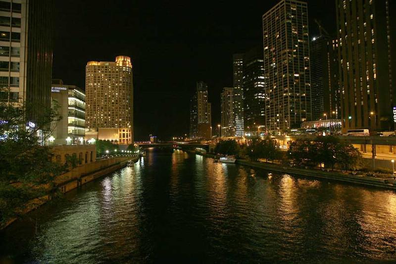 41 Chicago-River-Night-Scene-4222.jpg