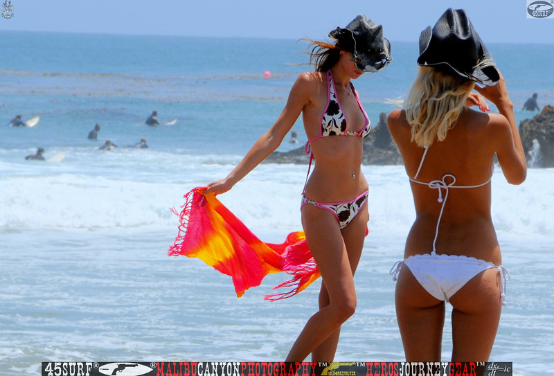 leo carillos surf's up beautiful swimsuit model 45surf 1567,best.book....