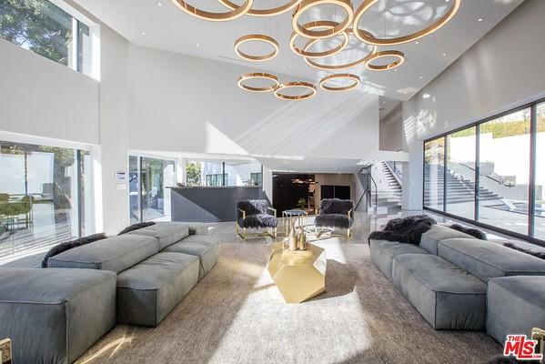 Bowmont Modern