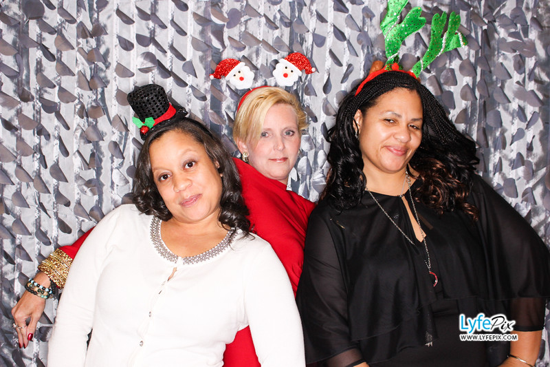 red-hawk-2017-holiday-party-beltsville-maryland-sheraton-photo-booth-0206.jpg