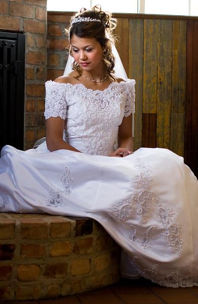 contemplative-bride_2233179074_o.jpg