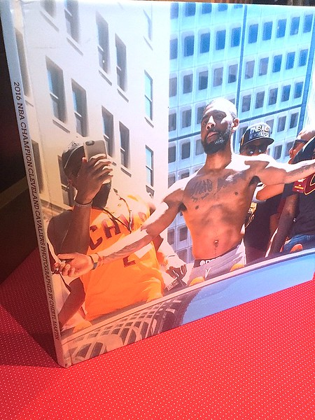 CLEVELAND CAVALIERS PARADE PHOTO BOOK