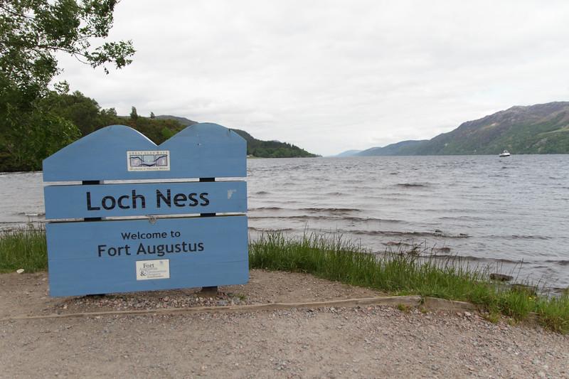 Loch Ness, Fort Augustus - 02.jpg