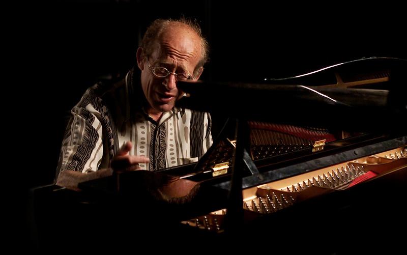 Piano/music/ David Helfgott    news ltd
