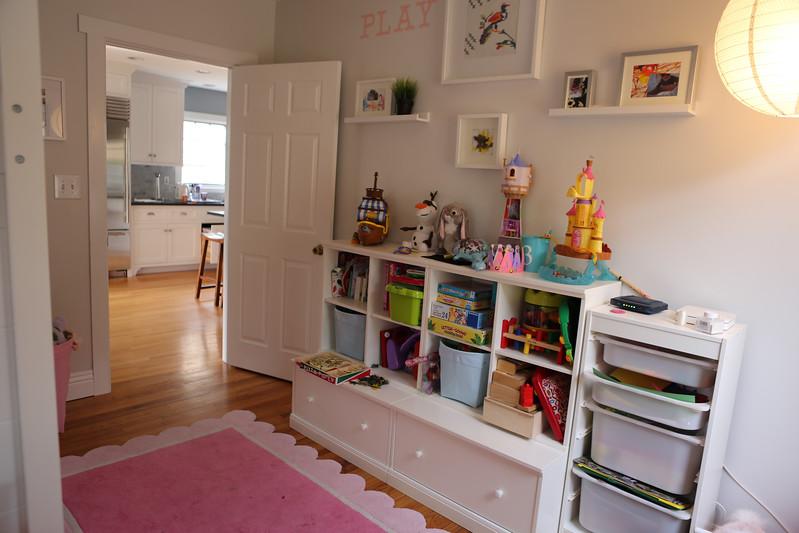 026_Downstairs_Kidsroom2.jpg