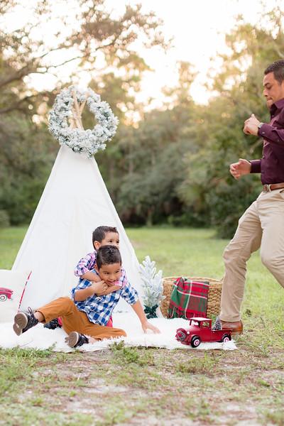 Ariza Family 2020-33.jpg