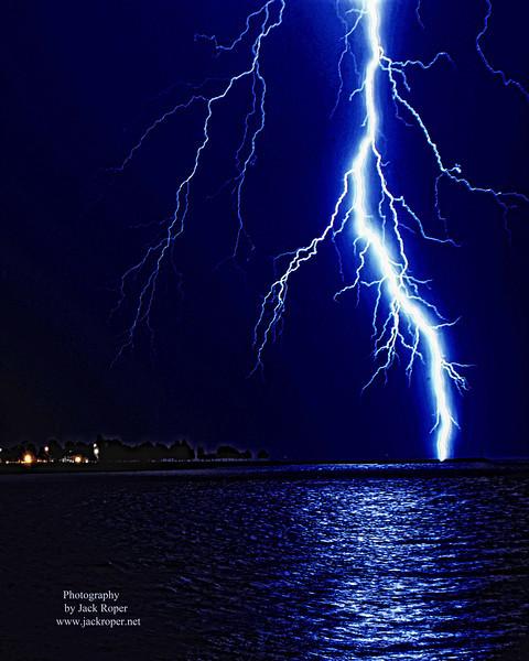 Large thunder bolt  7   .jpg