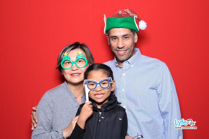 eastern-2018-holiday-party-sterling-virginia-photo-booth-0036.jpg
