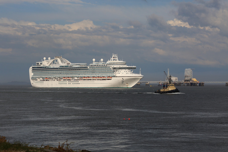 Ruby Princess 26 May 2014 as Oxcar passes bound for Rosyth to release a Thomson cruiser