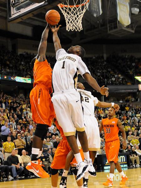 Aminu rebound.jpg
