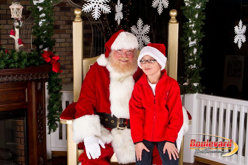 Santa Dec 8-245.jpg