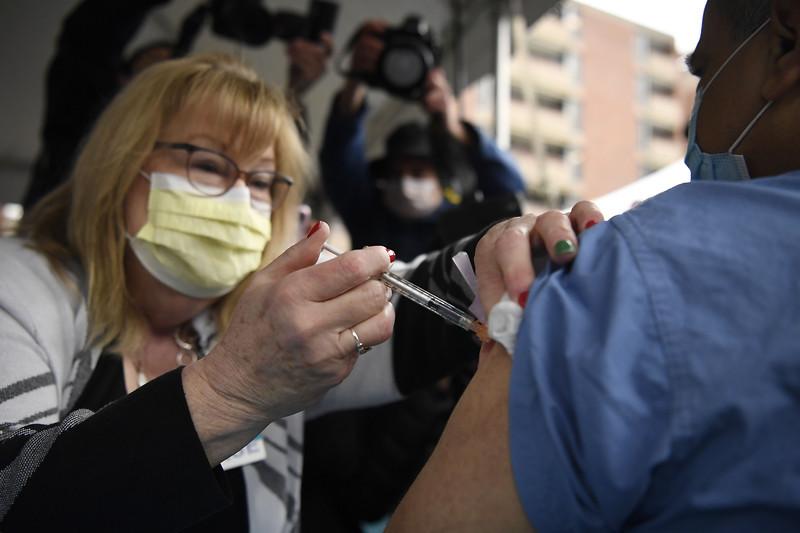 Virus Outbreak Vaccine Connecticut