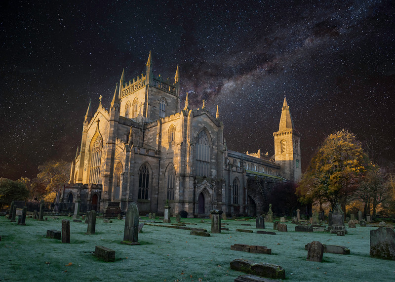 dunfermline abbey nightime.jpg