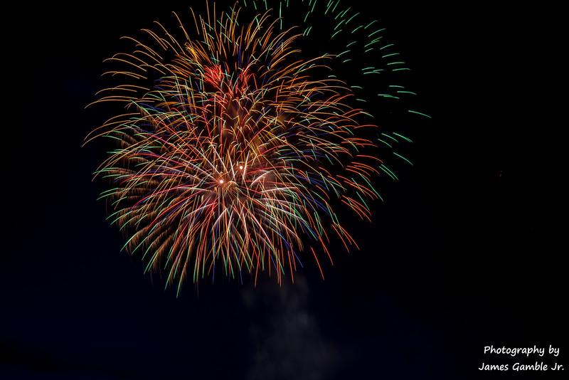 Fourth-of-July-Fireworks-2016-0328.jpg