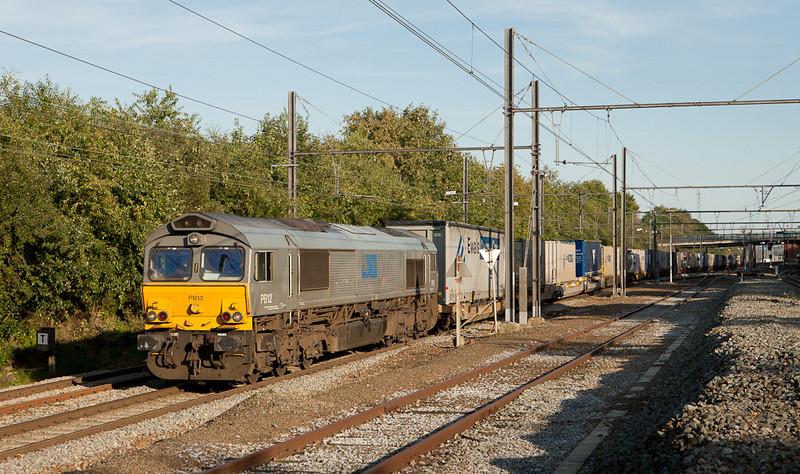 DLC PB12 with the 43792 (Novara/I - Genk-Zeehaven) in Hindel.