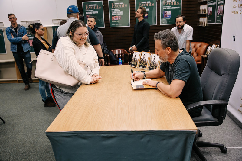 2019_2_28_TWOTW_BookSigning_SP_525.jpg