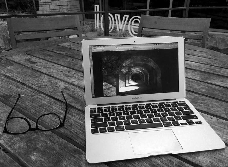 macbook bw.jpg