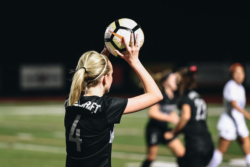 SoccerGirlsVarsity_Jan18_ElainaEich0022.jpg