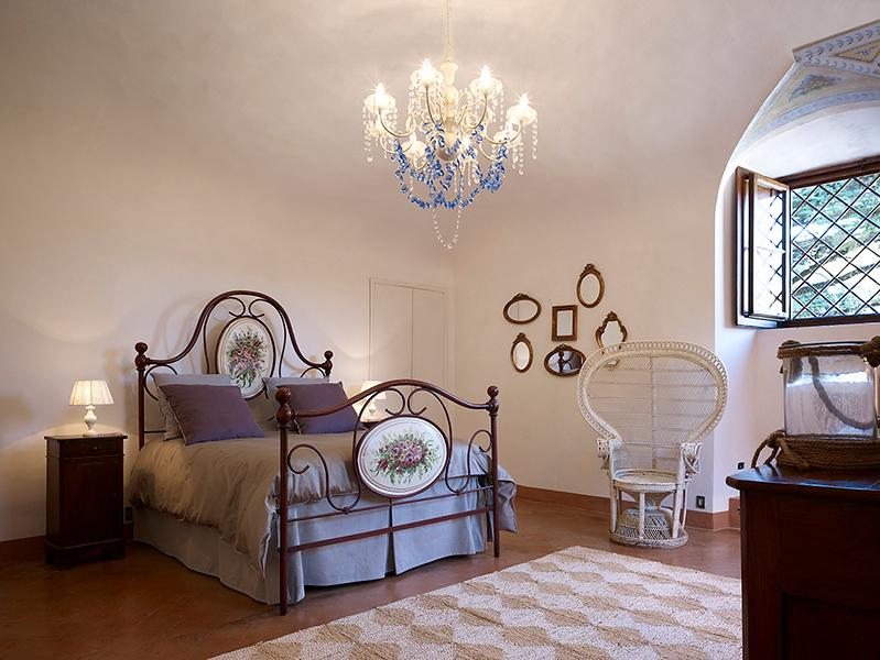 Bedroom Bianca, ground floor (Shares bath with Bamboo)