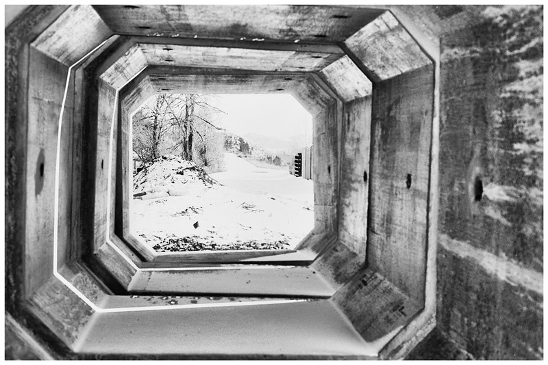 9-Concrete-forms-and-snow-P30-in-Paranol-s-28mm-2.8-Ai-s-F2.jpg