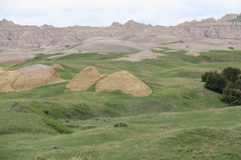 20140523-137-BadlandsNP-YellowMounds.JPG