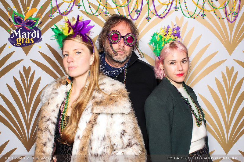 LOS GATOS DJ - The Bywater's Mardi Gras 2021 Photo Booth Photos (beads overlay) (10 of 29).jpg