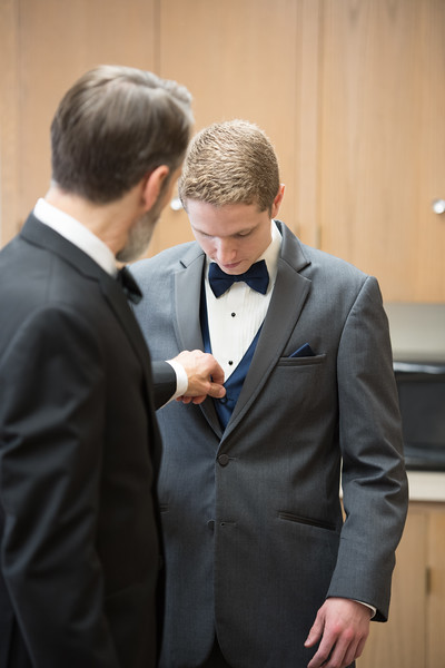 Drew and Taylor - Before the Ceremony  (182 of 216).jpg