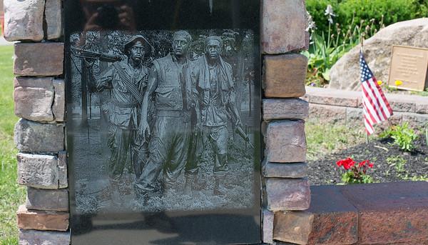 Evans Vet Monument 07-02-15