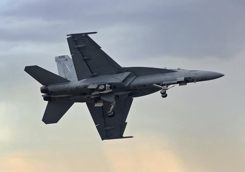 F18E-SuperHornet-040