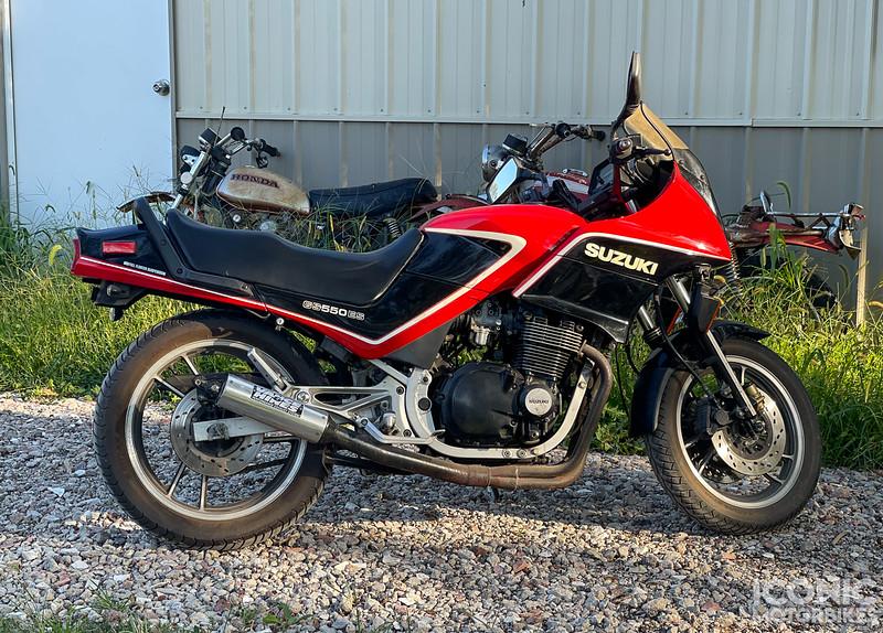 Suzuki GS550ES -  (1).jpg
