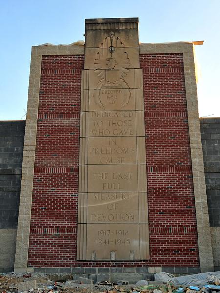 memorial stone4244.jpg