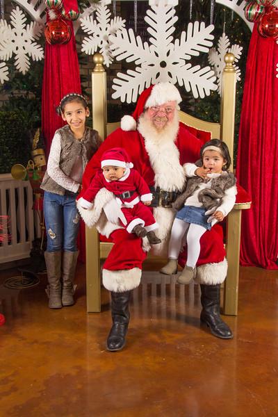 Santa 12-16-17-273.jpg