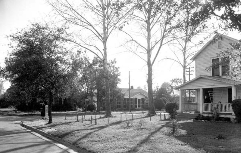 Street scene - 1949.jpg
