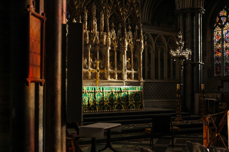 dan_and_sarah_francis_wedding_ely_cathedral_bensavellphotography (9 of 219).jpg