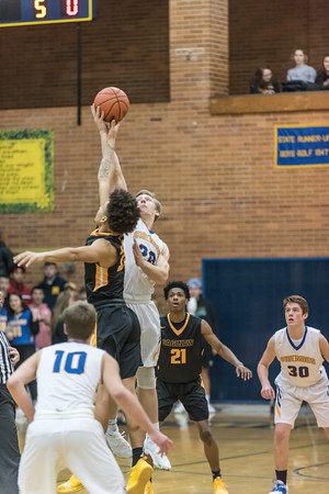 MHS Varsity hoops vs Saginaw High 2018-19