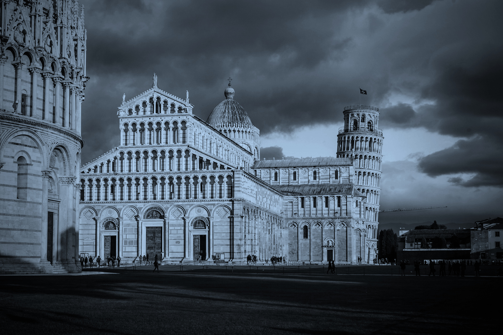 意大利比萨斜塔,闻名遐迩