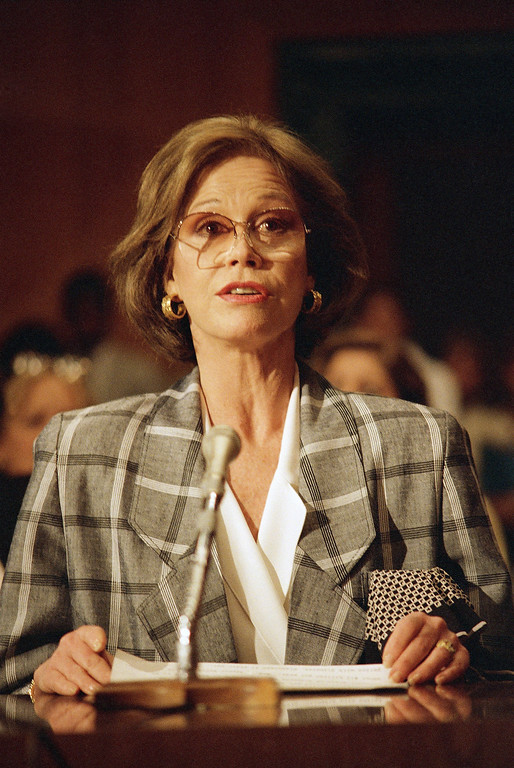 . Actress Mary Tyler Moore testifies before a Senate Labor, Health and Human Services, Education and related agencies appropriations subcommittee hearing at Capitol Hill, Monday, May 4, 1987 in Washington. (AP Photo/Lana Harris)
