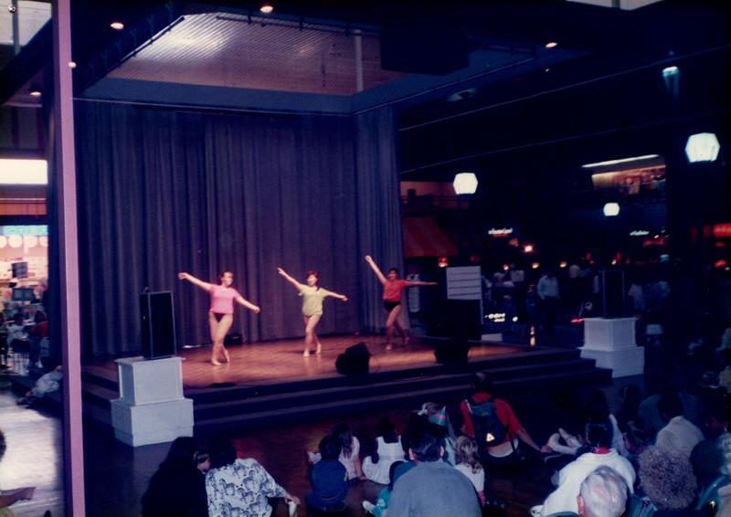 Dance_0042_b.jpg
