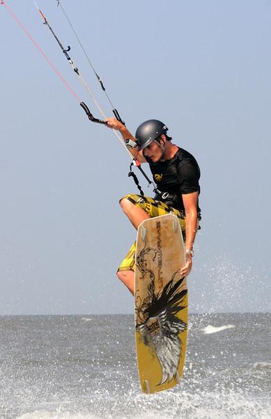 Kiteboarding_1.jpg