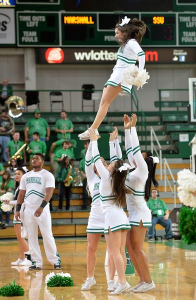 cheerleaders2312.jpg