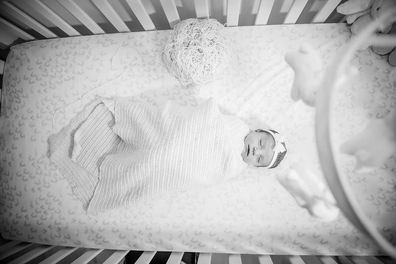 bw_newport_babies_photography_hoboken_at_home_newborn_shoot-5140.jpg