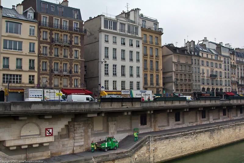 Paris. Quai de Montebello