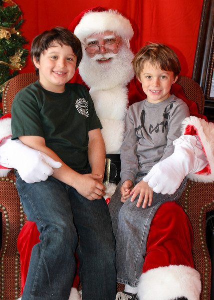 Santa Clause 11DEC2010-443Master.JPG