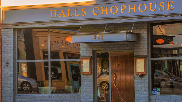 HALLS CHOPHOUSE RESTAURANT