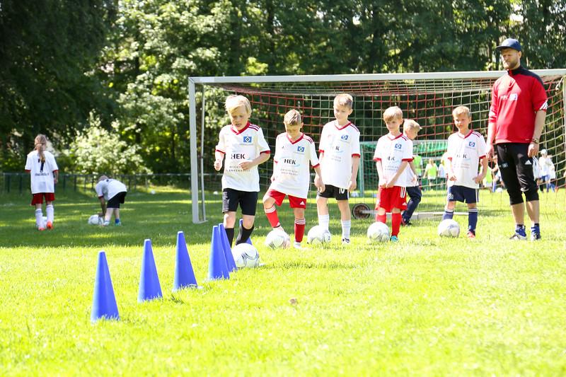 hsv_fussballschule-437_48047956431_o.jpg