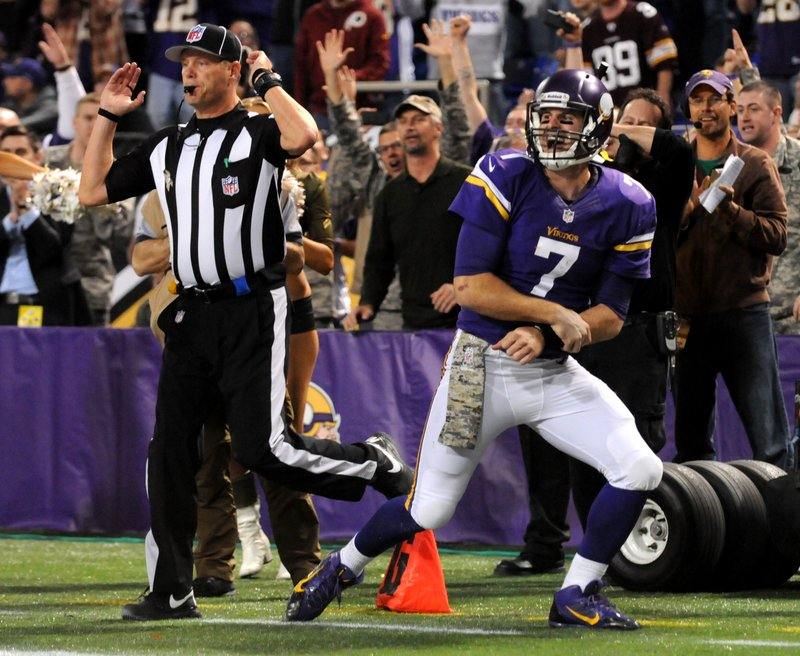 ". <p>5. CHRISTIAN PONDER <p>Vikings QB says he�ll play Sunday. Can�t you just FEEL the excitement! (unranked) <p><b><a href=\'http://www.twincities.com/vikings/ci_24499671/vikings-christian-ponder-expects-play-sunday-vs-seahawks\' target=""_blank\""> HUH?</a></b> <p>   (Pioneer Press: Sherri LaRose-Chiglo)"