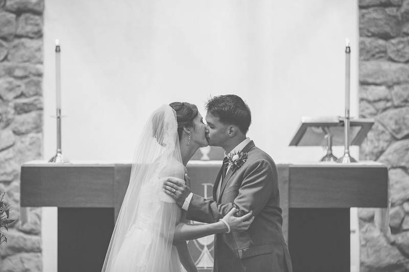 MP_18.06.09_Amanda + Morrison Wedding Photos-8-2427-BW.jpg